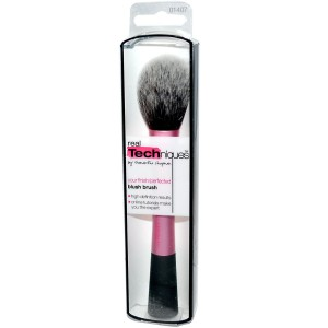 Blush brush Real techniques